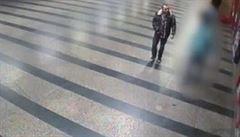 Lupič v Praze zbil mladého muže a sebral mu všechny peníze