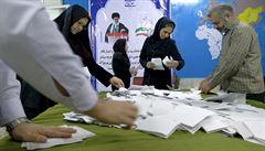 V Íránu skončily volby. Pozici v parlamentu zřejmě posílí reformisté i umírnění konzervativci