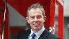 Blaira vyšetřovali kvůli odposlechům NoW, přerušil je výtržník