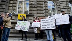 Pošťák není pojišťovák, křičeli protestující zaměstnanci