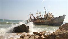 Po stopách UNESCO: Angola, vraky lodí a mosty uprostřed ničeho