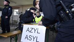 Čeští policisté zatkli uprchlíka, který o azyl žádá ve 13 zemích. Skončil v detenci