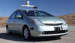Google prý vyvíjí vlastní automobil bez řidiče
