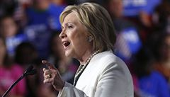 Clintonová se prohlásila vítězkou v Kentucky. V Oregonu vede Sanders