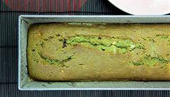 Matcha čaj. Zářivě zelený prášek i do chlebíčku s čokoládou