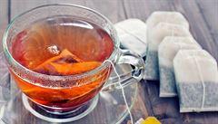 Jen zalít vodou a louhovat. Jak vznikl čajový sáček?