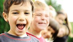 Většině rodin jsou daňové slevy na děti k ničemu. Mají moc malé příjmy, tvrdí studie