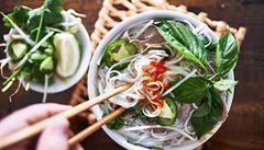 Oběd kancelářských krys: Do kterého vietnamského bistra v Holešovicích vyrazit?