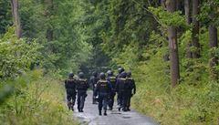Vražda v Klánovickém lese: policie navrhla obžalobu lupiče, který se bál o zakopaný 'poklad'