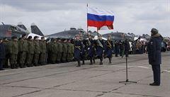 Rusko pokračuje ve stahování ze Sýrie. Podle analytiků tím kárá Asada