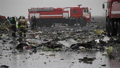 Vyšetřování na místě pádu dubajského letadla