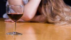 Pití alkoholu prý zvyšuje riziko rakoviny prsu