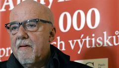 Paulo Coelho je v Praze. Slaví milion prodaných výtisků v češtině