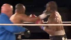 VIDEO Legenda stále nemá dost. Jones Jr. zbil ve dvou kolech soupeře z internetu