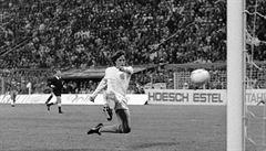 Vzpomínky Uhrina na Cruyffa: 'Trenére, Johan sedí v kabině a kouří'