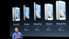 Apple představil novou verzi chytrého telefonu iPhone. Bude menší a levnější