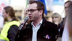 Aktivisté slaví vítězství. Facebook Bartošovi zablokoval profil