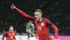 Fanoušci Anglie se Němcům vysmáli. Nejeli s nimi vlnu a pak slavili výhru