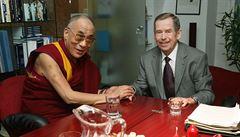 Nejen salvy a vlajky. Si Ťin-pchinga přivítají i protesty a Havel s dalajlámou