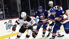 Smolař Zacha. Mladík ztratil výstroj a tím i šanci na premiéru v NHL