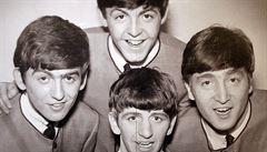Pracovní smlouvu legendárních Beatles vydražili v Londýně za 365 tisíc liber