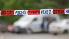 Řidič najížděl v Chomutově do lidí, tak ho zastřelil. Muž je ve vazbě, hrozí mu 20 let