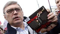 Šikanován Kremlem, odvržen opozicí. Chmurné vyhlídky ruského expremiéra