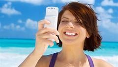 Evropská komise chce prý úplně zrušit poplatky za roaming
