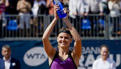 Forma je zpátky. Šafářová porazila Stosurovou a ovládla Prague Open