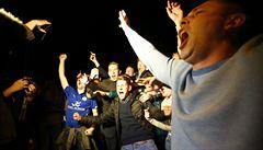 Přepište dějiny... Tottenham remizoval, Leicester slaví historický titul