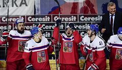 Češi spadli po triumfu nad Rusy zpět na led, Lotyše udolali až po nájezdech