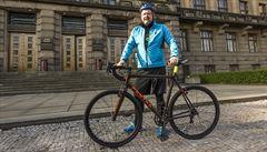 Ministr dopravy Ťok dorazil do práce na kole, podpořil tím projekt Auto*Matu