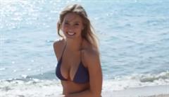 Izrael zakázal reklamu na plavky s modelkou Bar Rafaeli