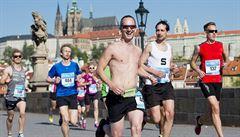 V Praze se běží tradiční mezinárodní maraton. Doprava je omezená
