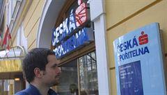 Klienti mají dostat zpět poplatky za hypotéky, Česká spořitelna se chce soudit