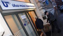 Nezaměstnanost v Česku v červnu klesla na 2,9 procenta. Lidí bez práce je nejméně od roku 1997