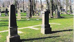 Stále více Němců se v posledních letech nechává pohřbít v Česku, je to levnější