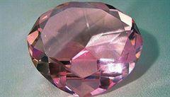Christie's bude dražit unikátní diamant. Očekává se, že se prodá za víc než miliardu