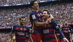 VIDEO: Messi na druhé koleji. Titul Barcelony vystřílel 'Kanibal' Suarez