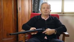 VIDEO: Hlasatel Alexandr Hemala propaguje legendární střílečku DOOM