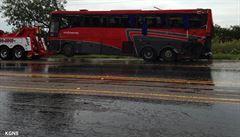 V Texasu se převrátil autobus. Osm lidí zahynulo, 40 utrpělo zranění