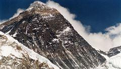 Odpadky po turistech dusí Everest. Číně zavřela základní tábor a turistům vydává povolenky