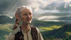 Nový E. T.? Spielberg opět čaruje. Jeho pohádka Obr Dobr okouzlila Cannes