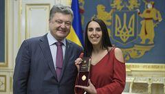 'Ukrajinu podpořil celý svět.' Porošenko jmenoval vítězku Eurovize národní umělkyní