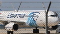 Pentagon nemá informace o výbuchu. O příčině pádu egyptského letadla se spekuluje