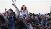 e01be2f87aa Pražské Letňany rozduněl koncert australské hardrockové legendy AC ...