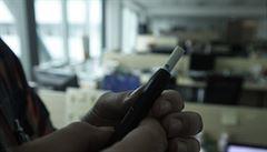 Cigarety s ohřívaným tabákem jsou fenoménem. Schválení úřady ale neznamená, že jsou zdravé