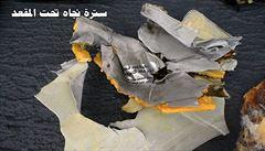 Žádná nehoda, ale bomba. Za pád letadla Egyptair mohl výbuch, zjistili vyšetřovatelé