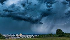 Česko zasáhly silné bouřky. Odpoledne přijdou znovu