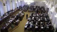 Sněmovna se sejde 10. srpna, vláda bude žádat o důvěru